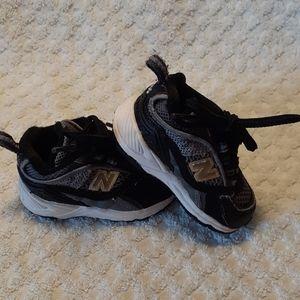 Baby Boy New Balance Tennis Shoes Sz 2